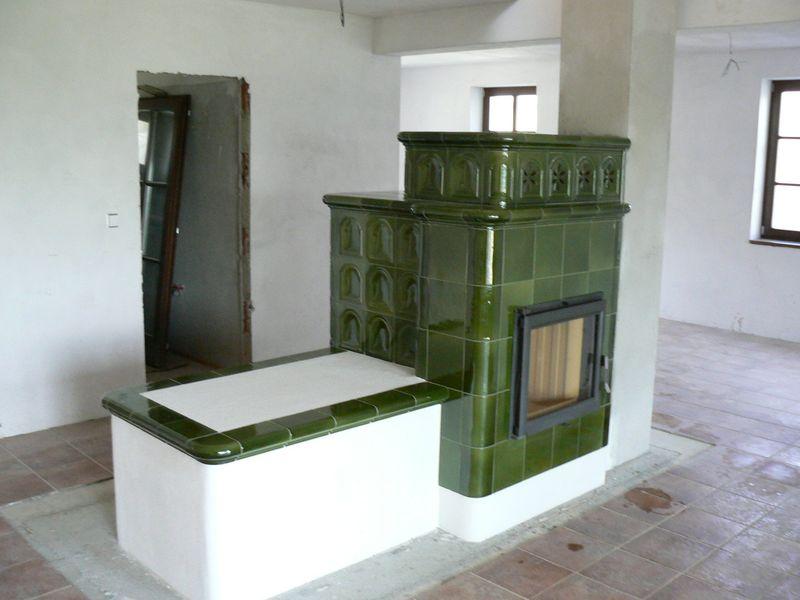 Kachlová kamna s litinovou nebo ocelovou vložkou